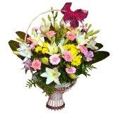 Kosz z kwiatów mieszanych