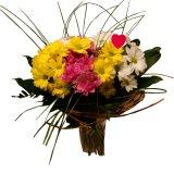 Kolorowy bukiet pełen kwiatów.