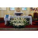 Przybranie kwiatami kościoła